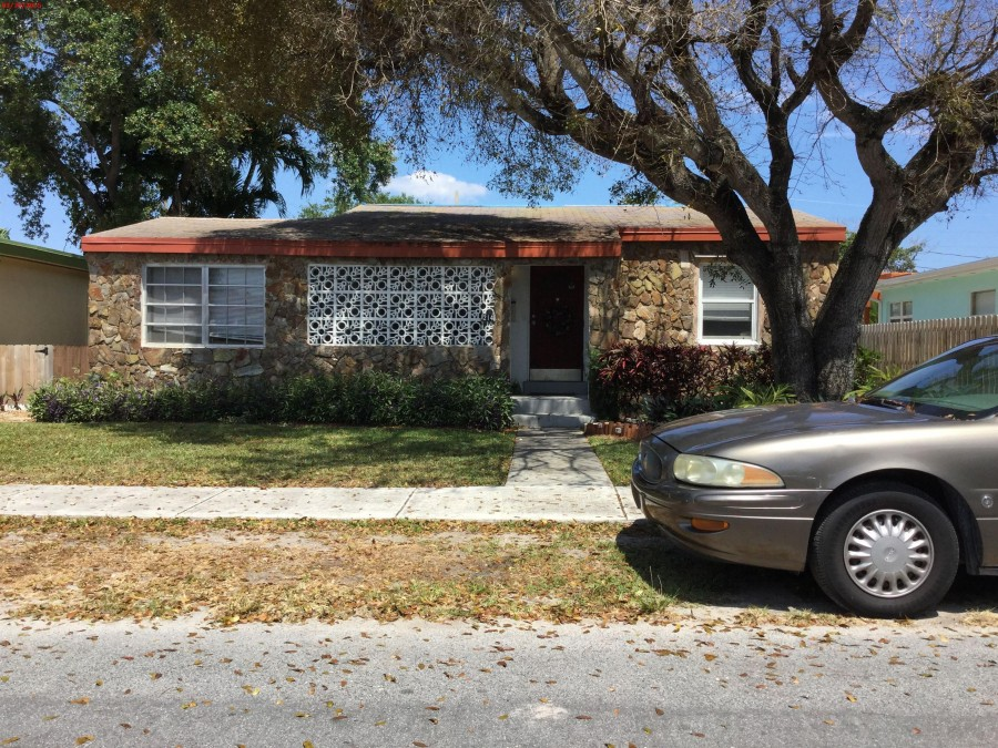 33302 foreclosures – 214 Sw 2 Pl, DANIA BEACH, FL 33004