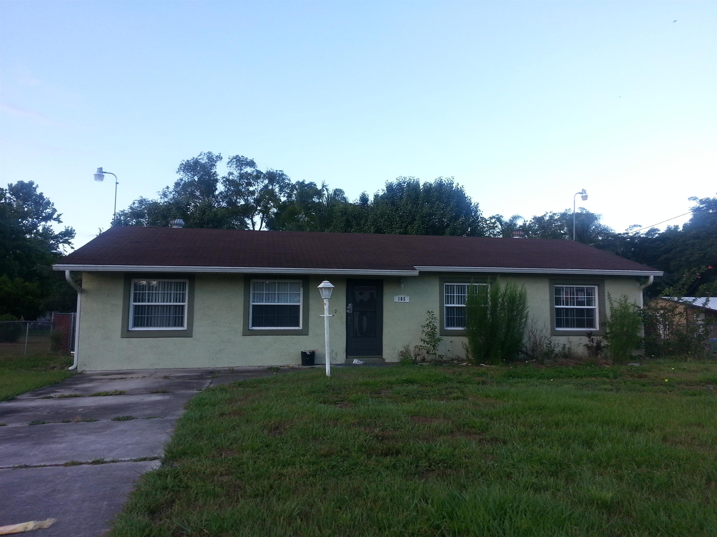 Volusia County foreclosures – 105 1st St, Debary, FL 32713