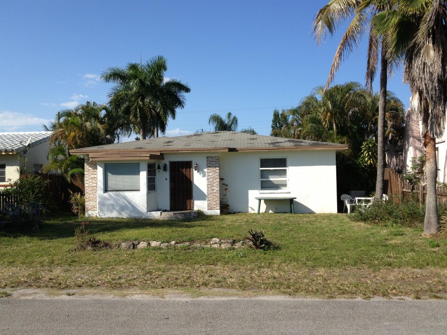 33302 foreclosures – 1927 Arthur St, Hollywood, FL 33020