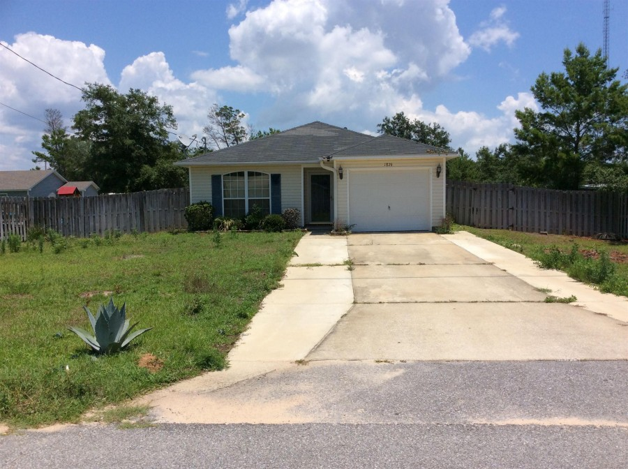1826 Justice Cir, Gulf Breeze, FL 32563