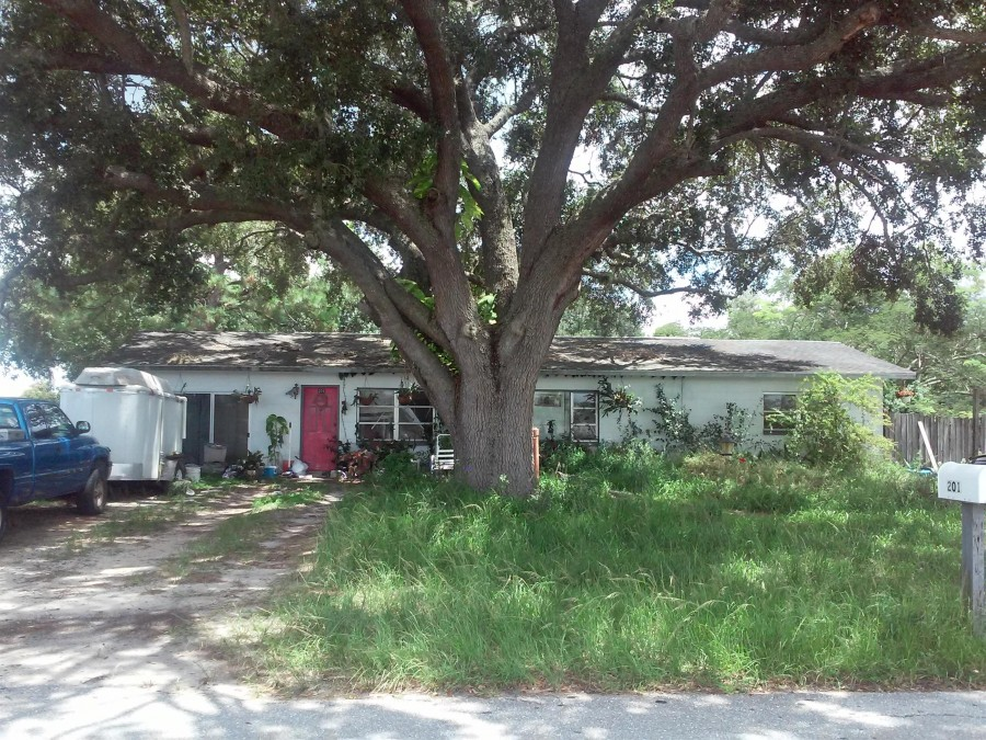 Highlands County foreclosures – 201 S Marshall Ave, AVON PARK, FL 33825