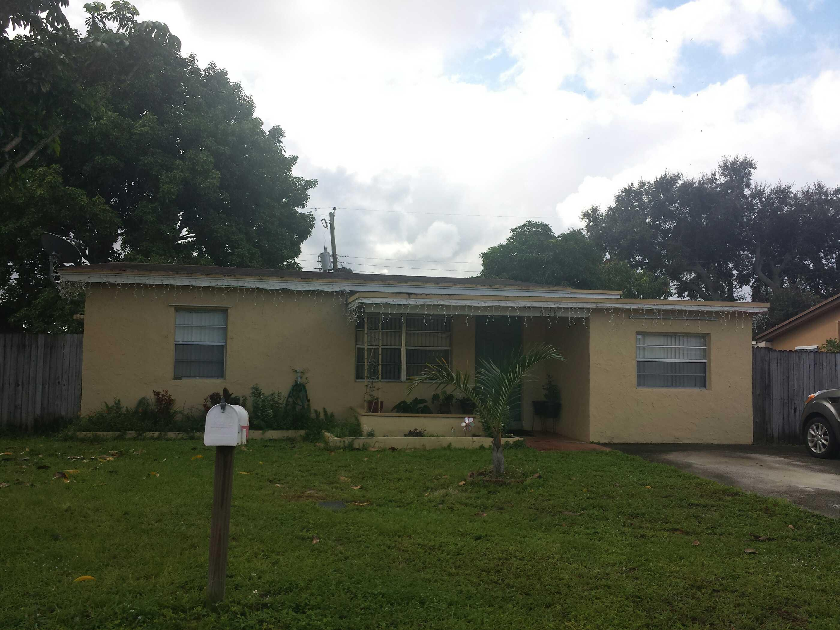 33024 foreclosures – 6128 Lincoln St, Hollywood, FL 33024