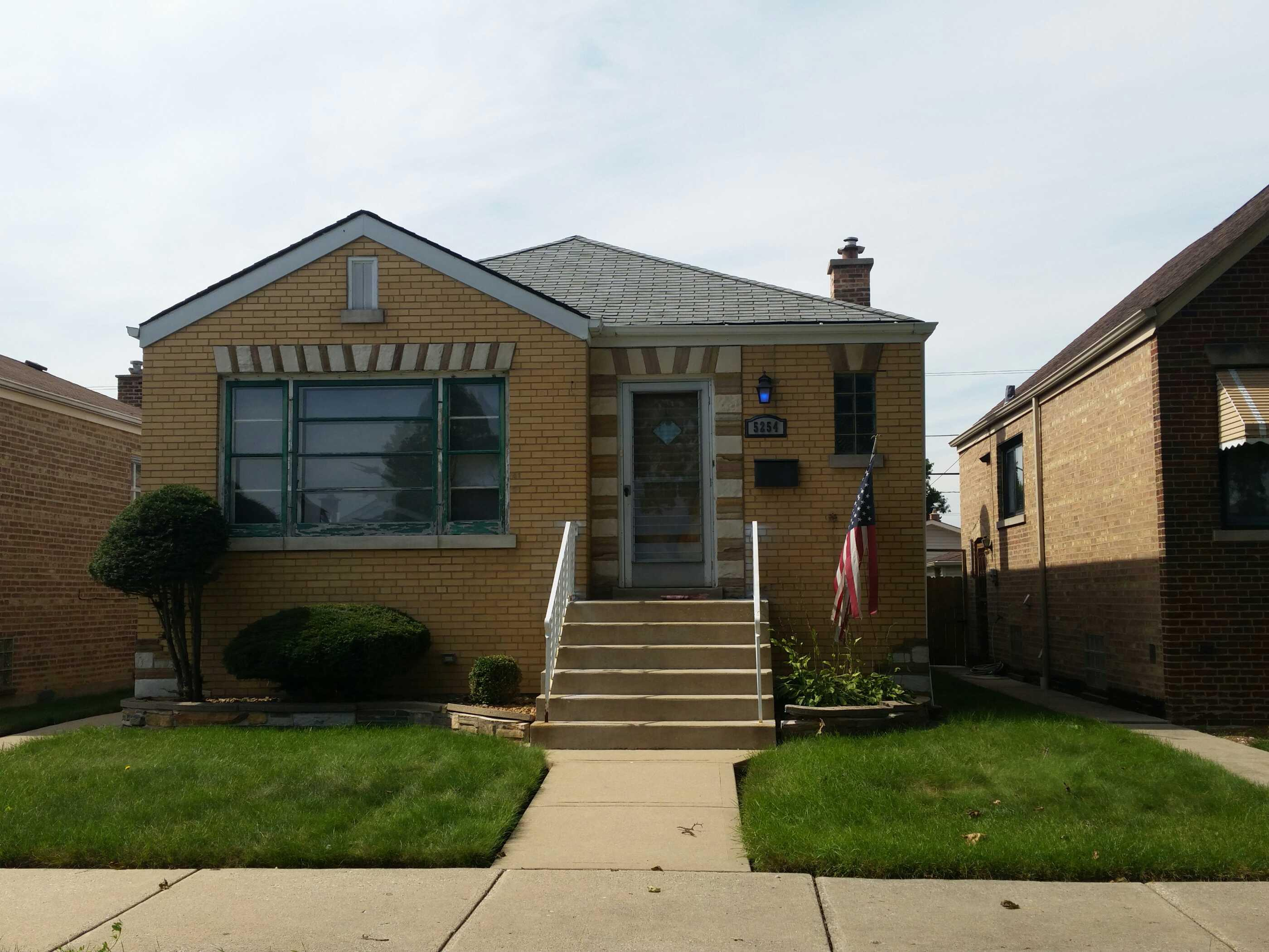 5254 S Narragansett Ave, Chicago, IL 60638