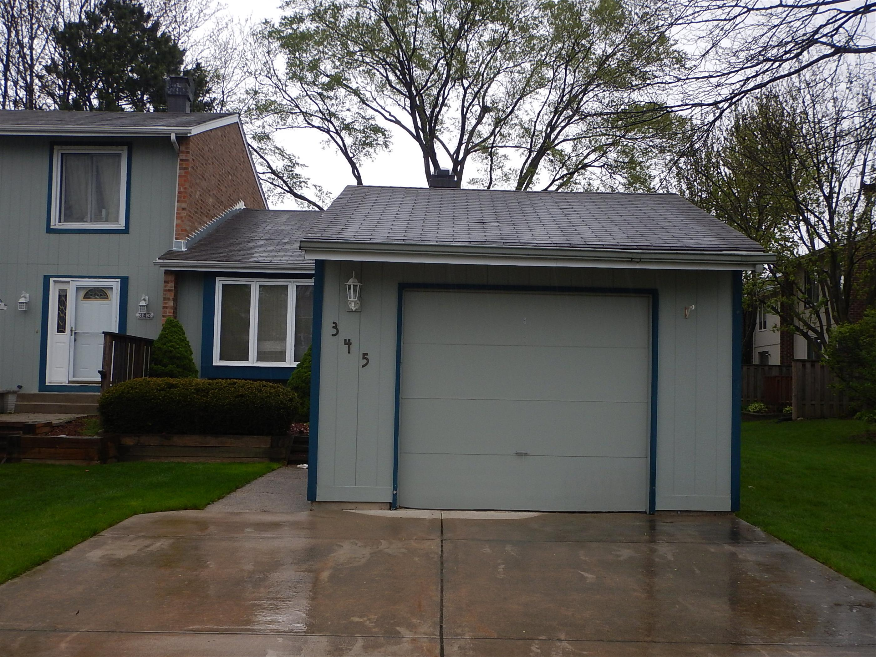 345 Colony Green Dr, Bloomingdale, IL 60108