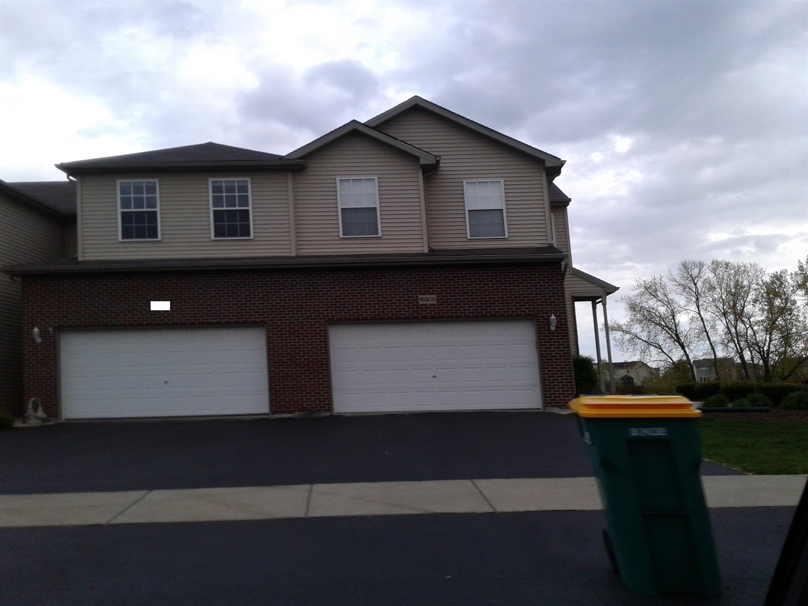16505 Willow Walk Dr, Lockport, IL 60441