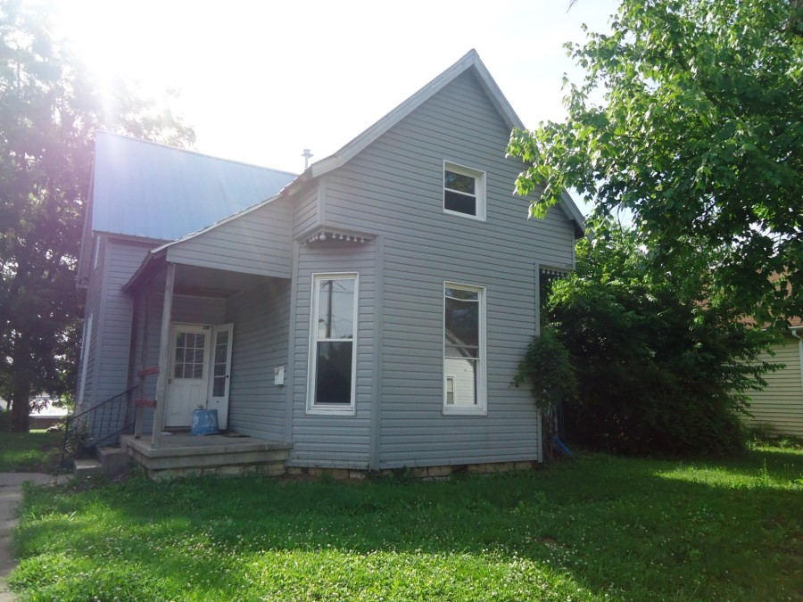 319 N 7th St, North Vernon, IN 47265