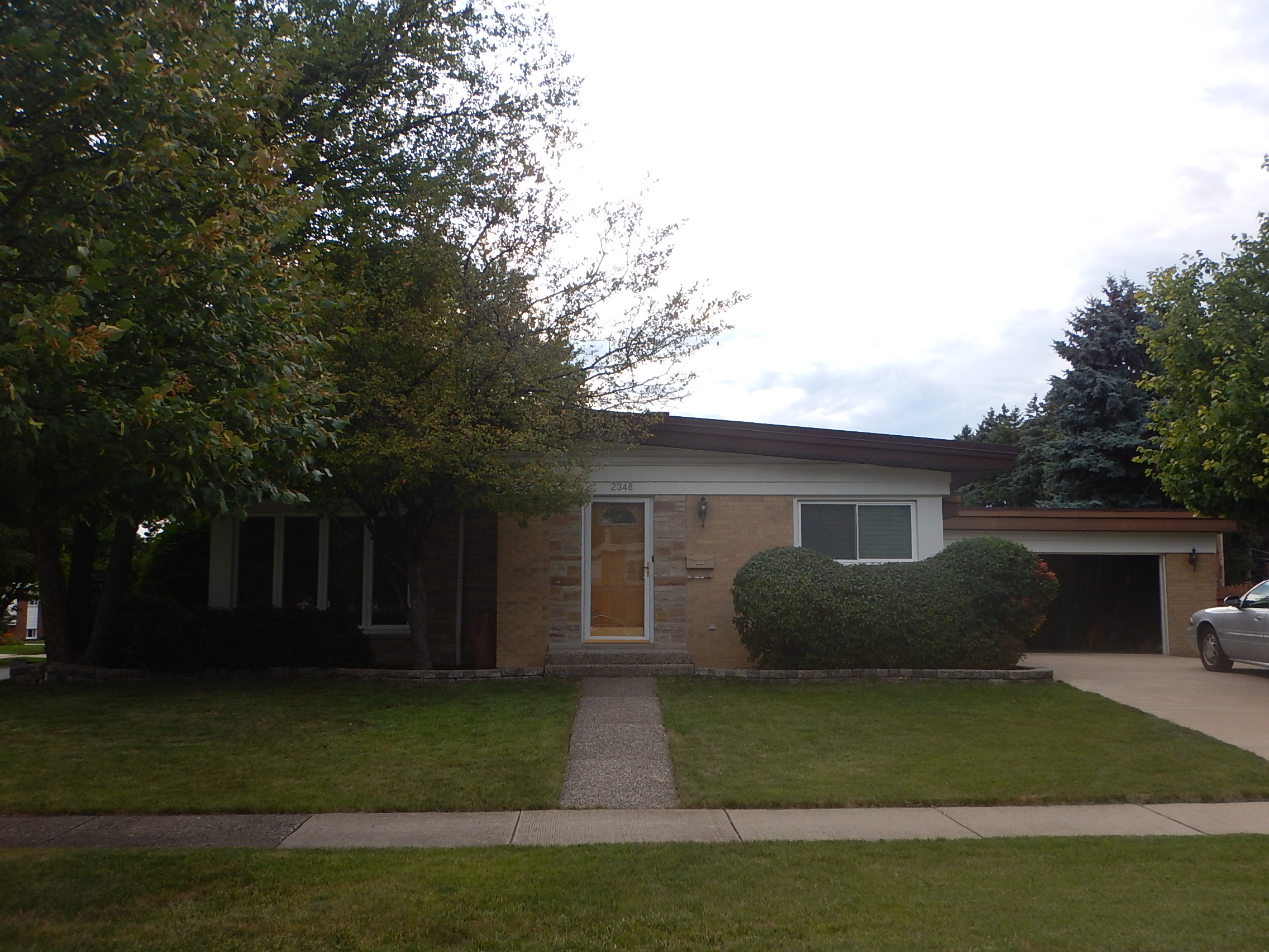 2348 Sherwood Ave, Westchester, IL 60154