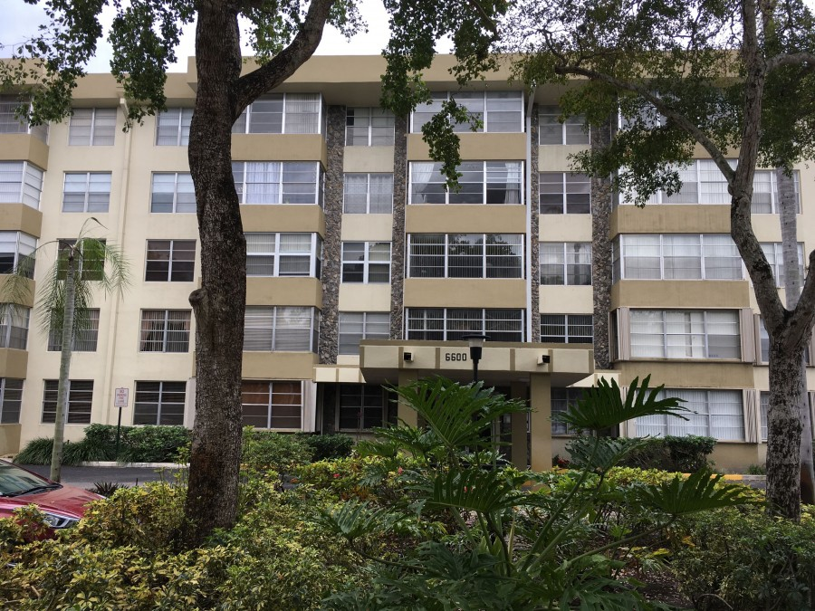 33318 foreclosures – 6600 Cypress Rd, Plantation, FL 33317