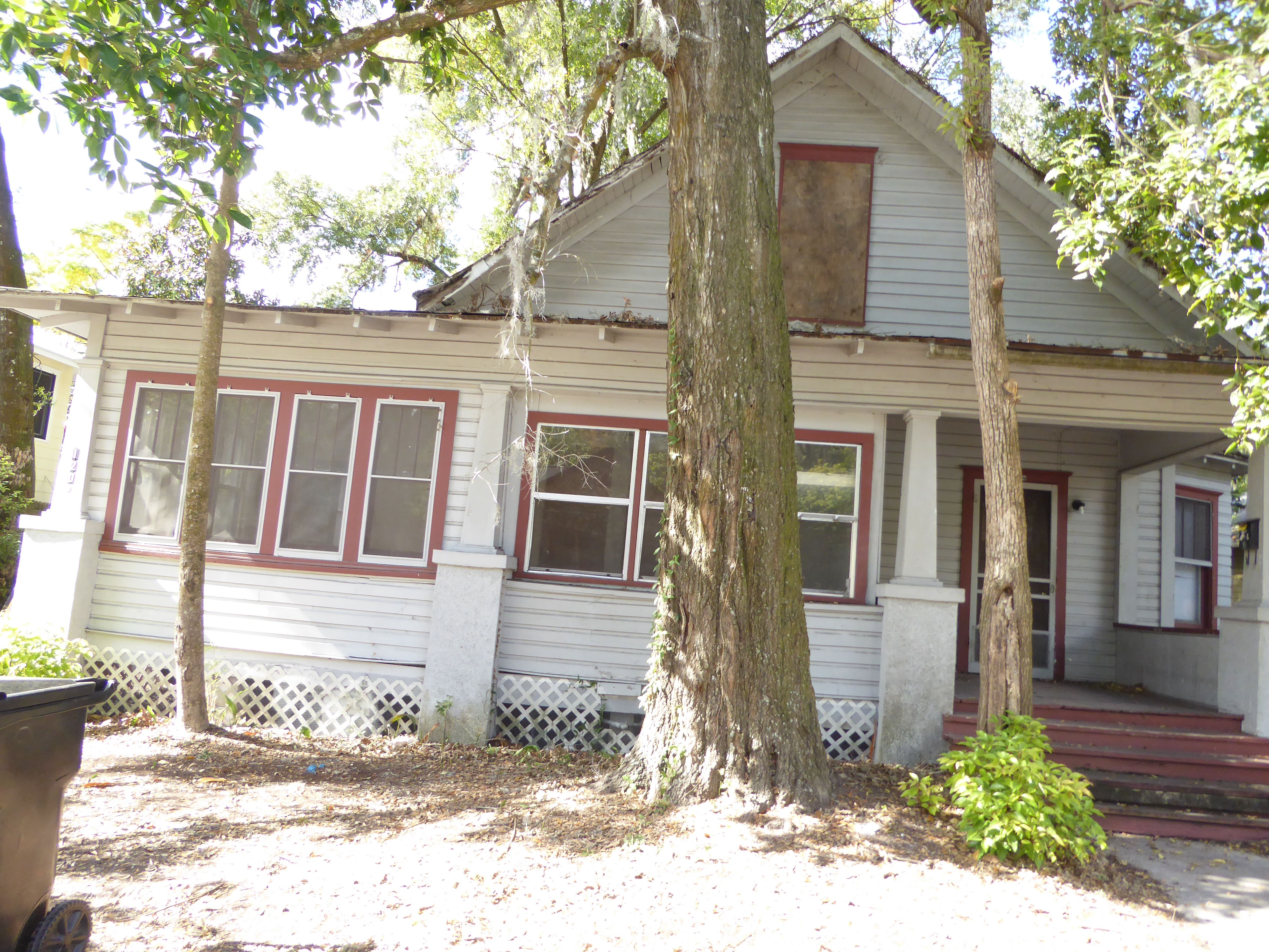 120 NW 10th St, Gainesville, FL 32601