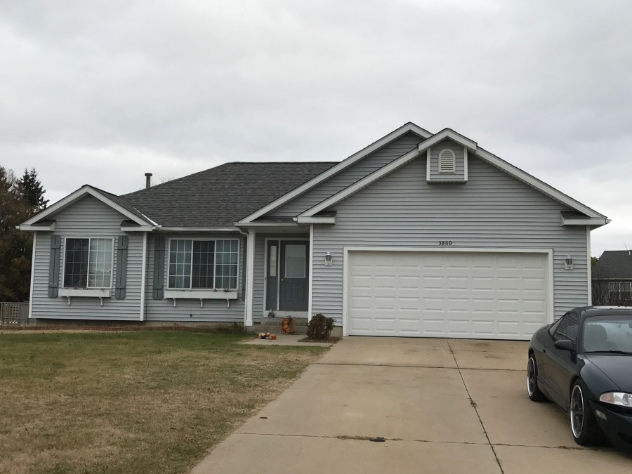 3860 Pine Meadow Dr, Holland, MI 49424