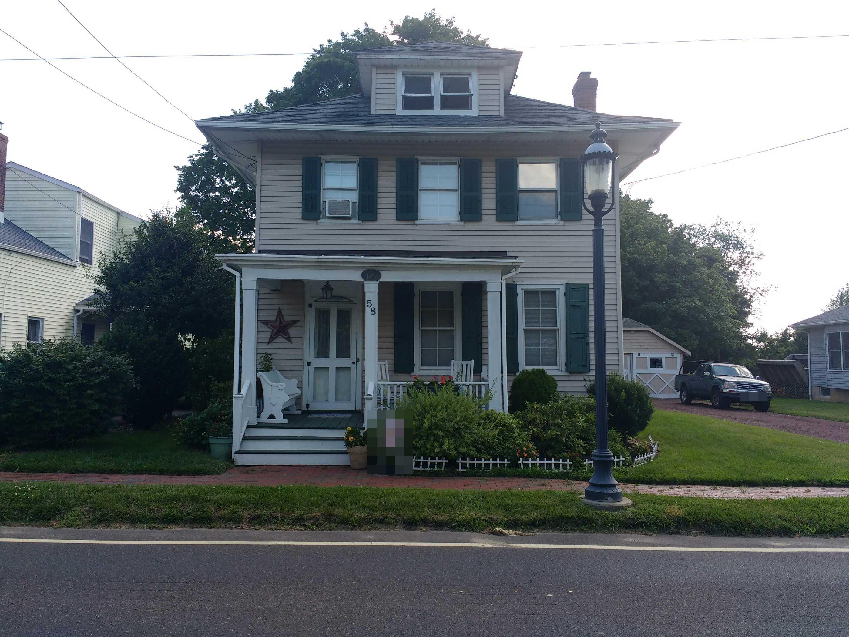 58 Church St, Windsor, NJ 08561