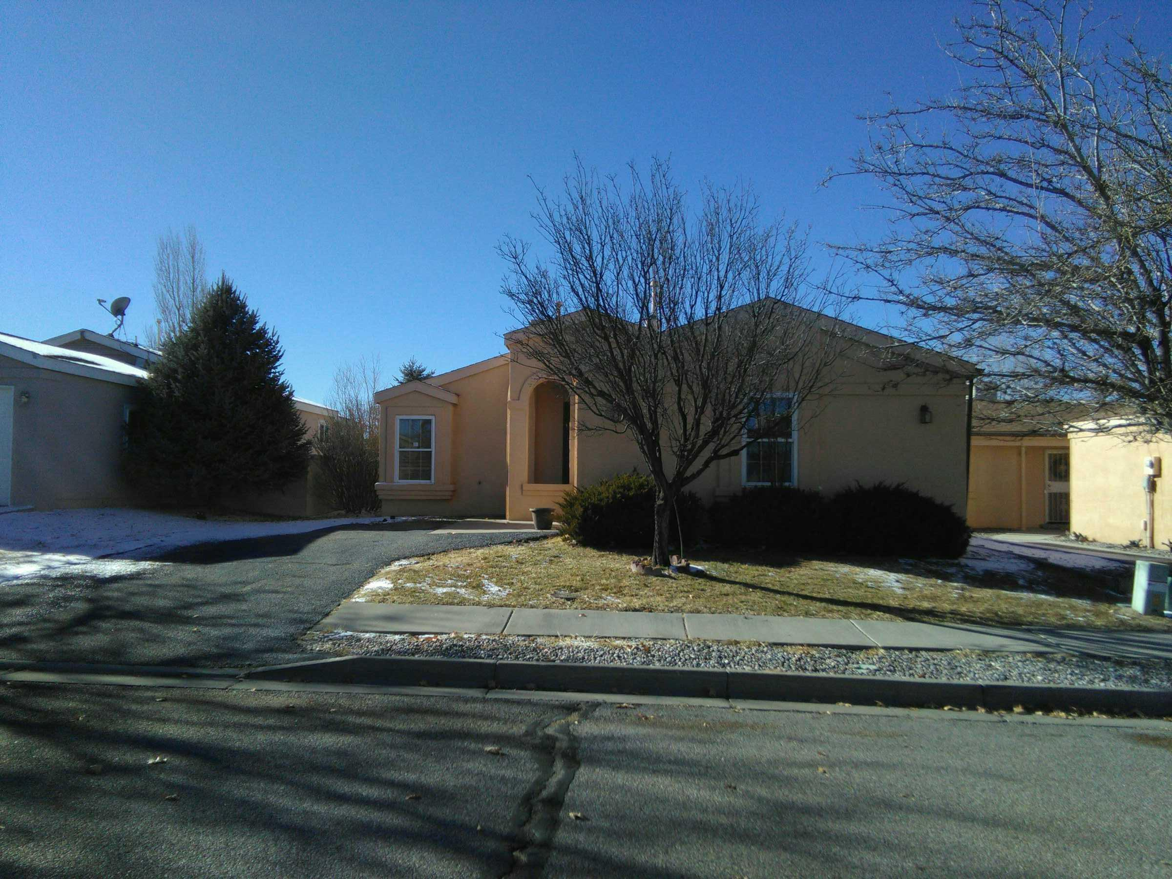 1008 Harrison Dr NE, Rio Rancho, NM 87144