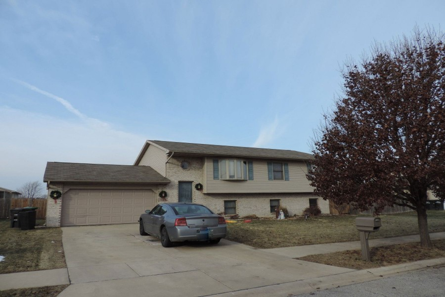 3044 Angelina St, Portage, IN 46368