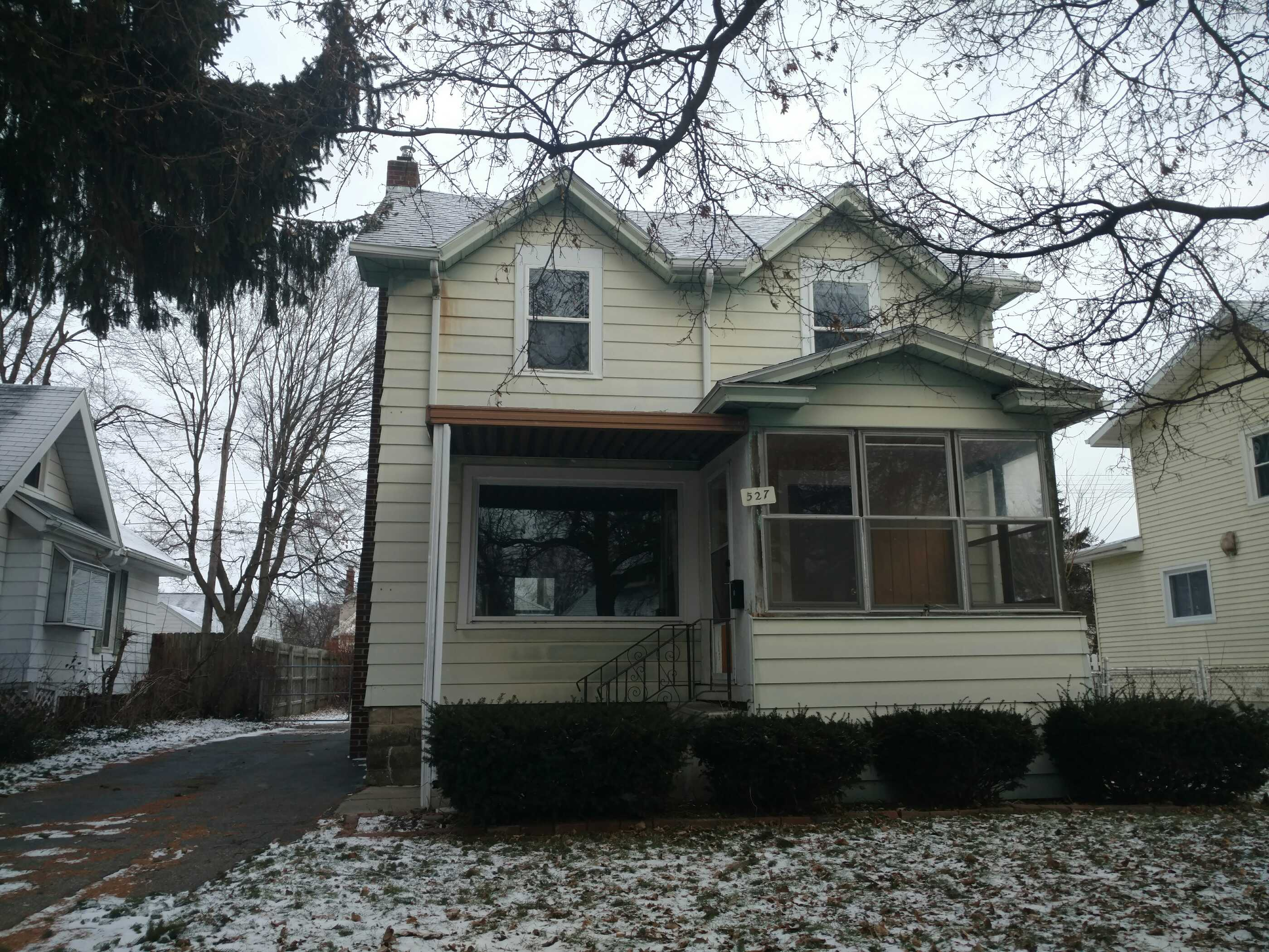 527 Pacific Ave, Lansing, MI 48910