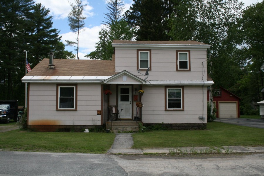 Claremont foreclosures – 15 Palmer St, Claremont, NH 03743