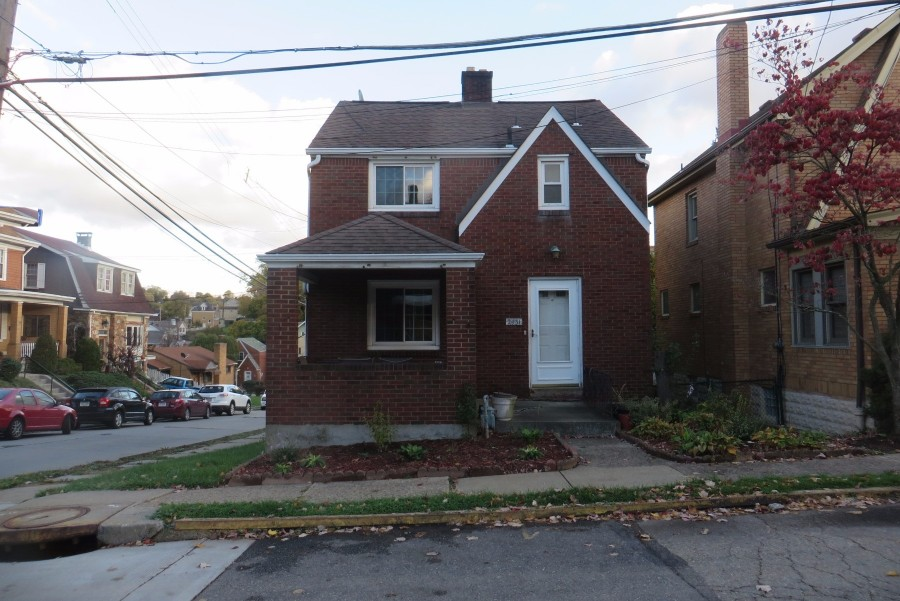 2431 Wedgemere St, Pittsburgh, PA 15226