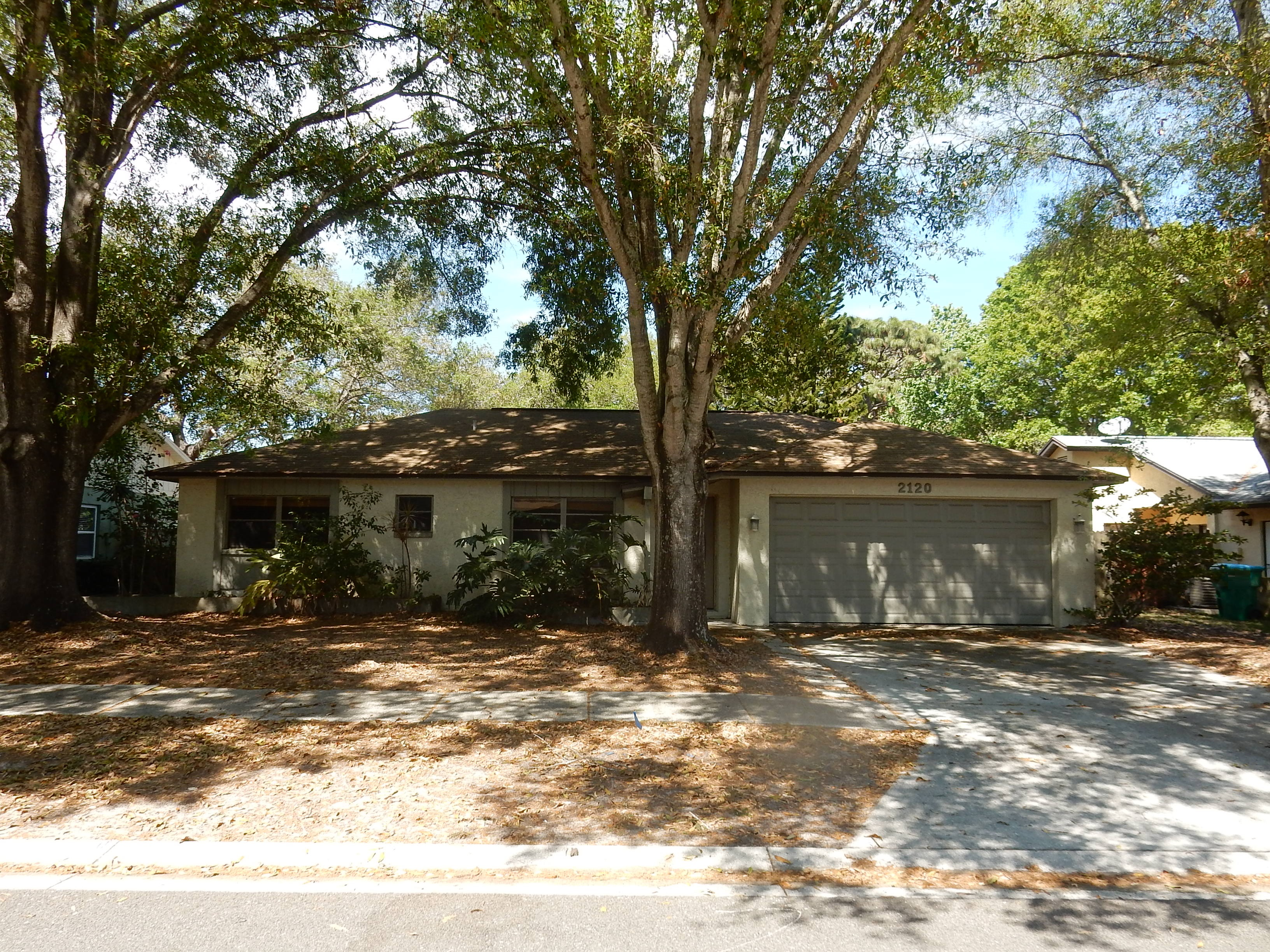 2120 Little Brook Ln, Clearwater, FL 33763