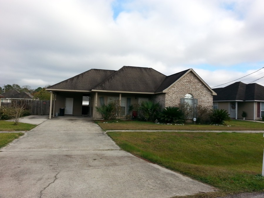 1120 S Lexington St, Gonzales, LA 70737