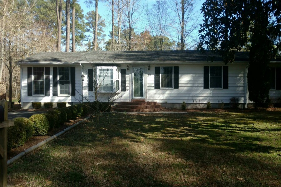 101 Murray Dr, Fruitland, MD 21826