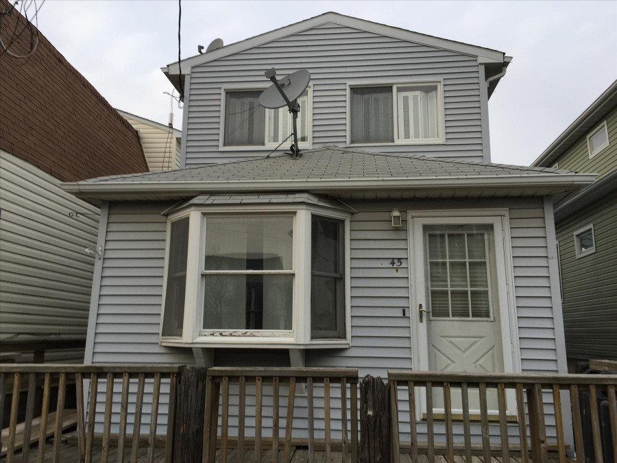 45 W 11th Rd, Broad Channel, NY 11693