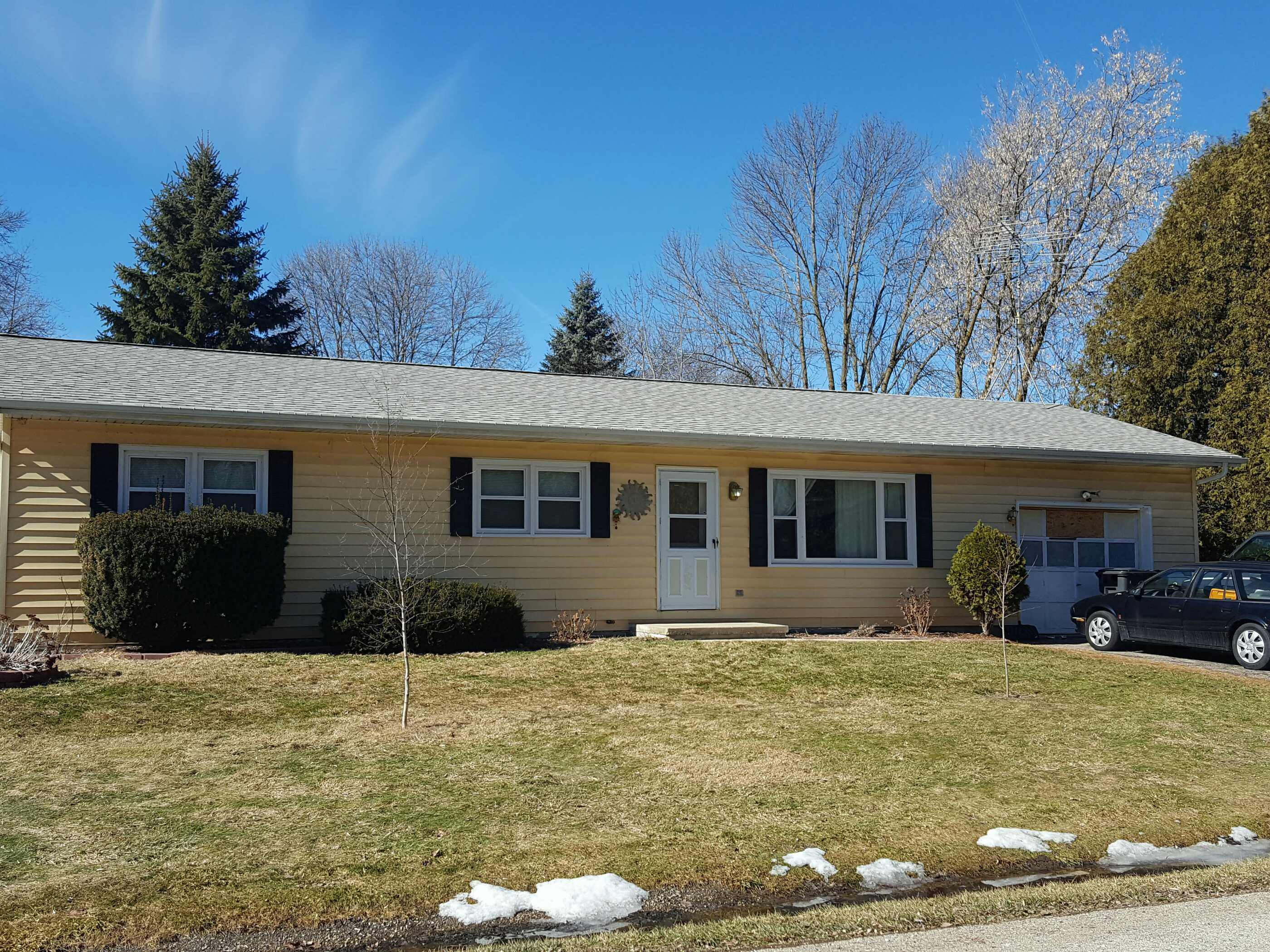 769 Forest Dr, Mayville, WI 53050