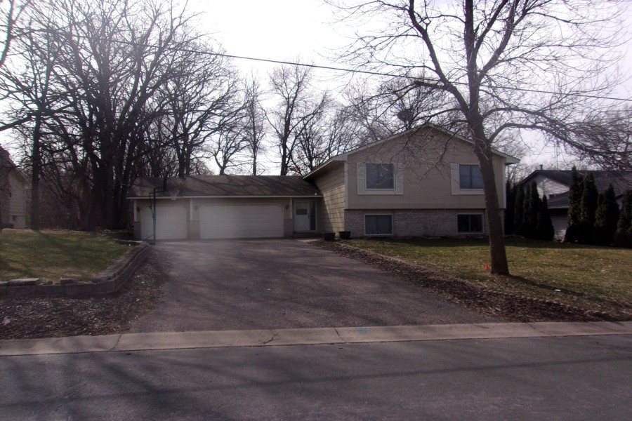 2238 131st Ave Nw, Coon Rapids, MN 55448