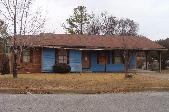 Tupelo foreclosures – 1102 Evelyn Dr, Tupelo, MS 38801