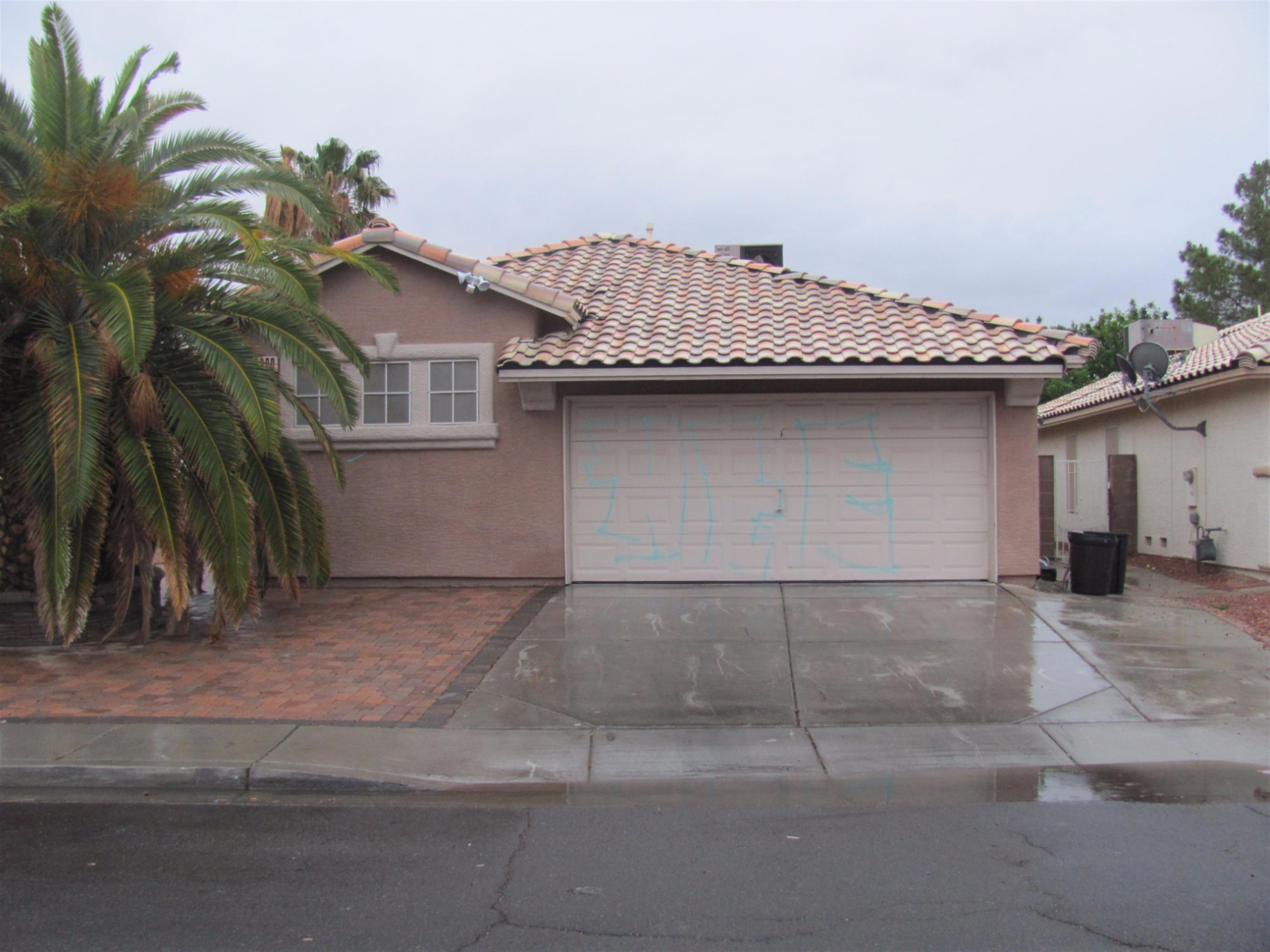 2300 Red Crossbill Ln, Las Vegas, NV 89142