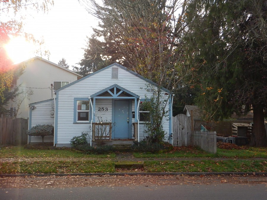 253 Gerth Ave NW, Salem, OR 97304