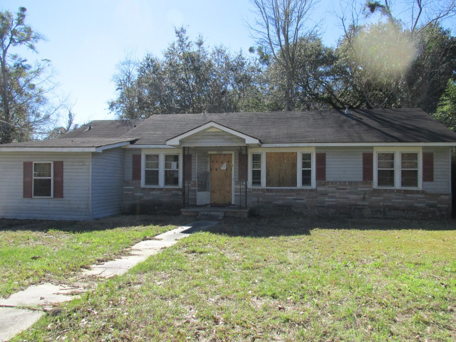 5212 Bay Ave, Moss Point, MS 39563