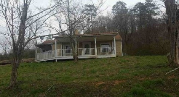 654 Cane Creek Rd, Lake City, TN 37769
