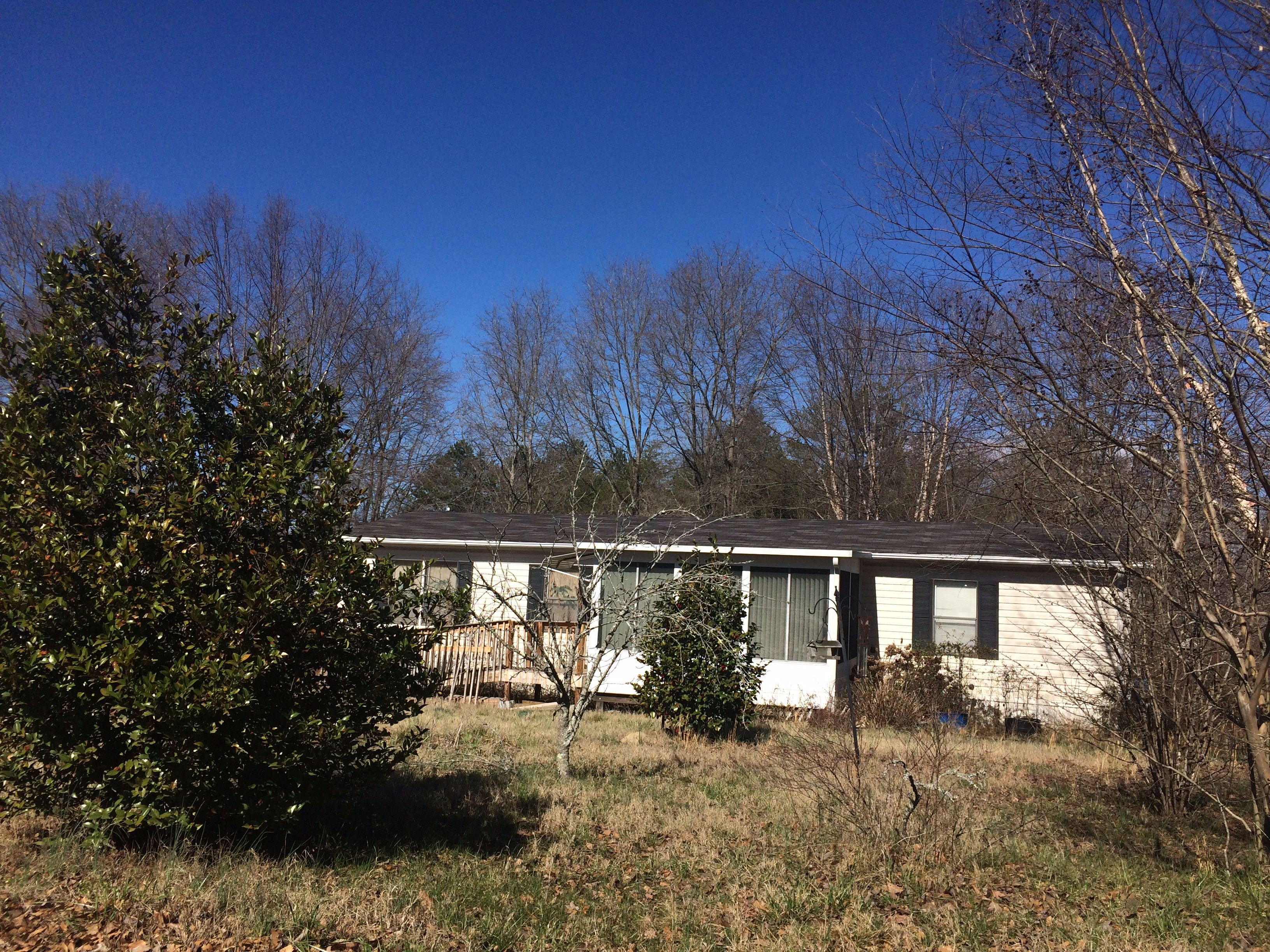 282 Phillips Dr, Forest City, NC 28043