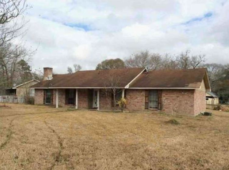 Grimes County foreclosures – 15486 W Loop Dr, Plantersville, TX 77363