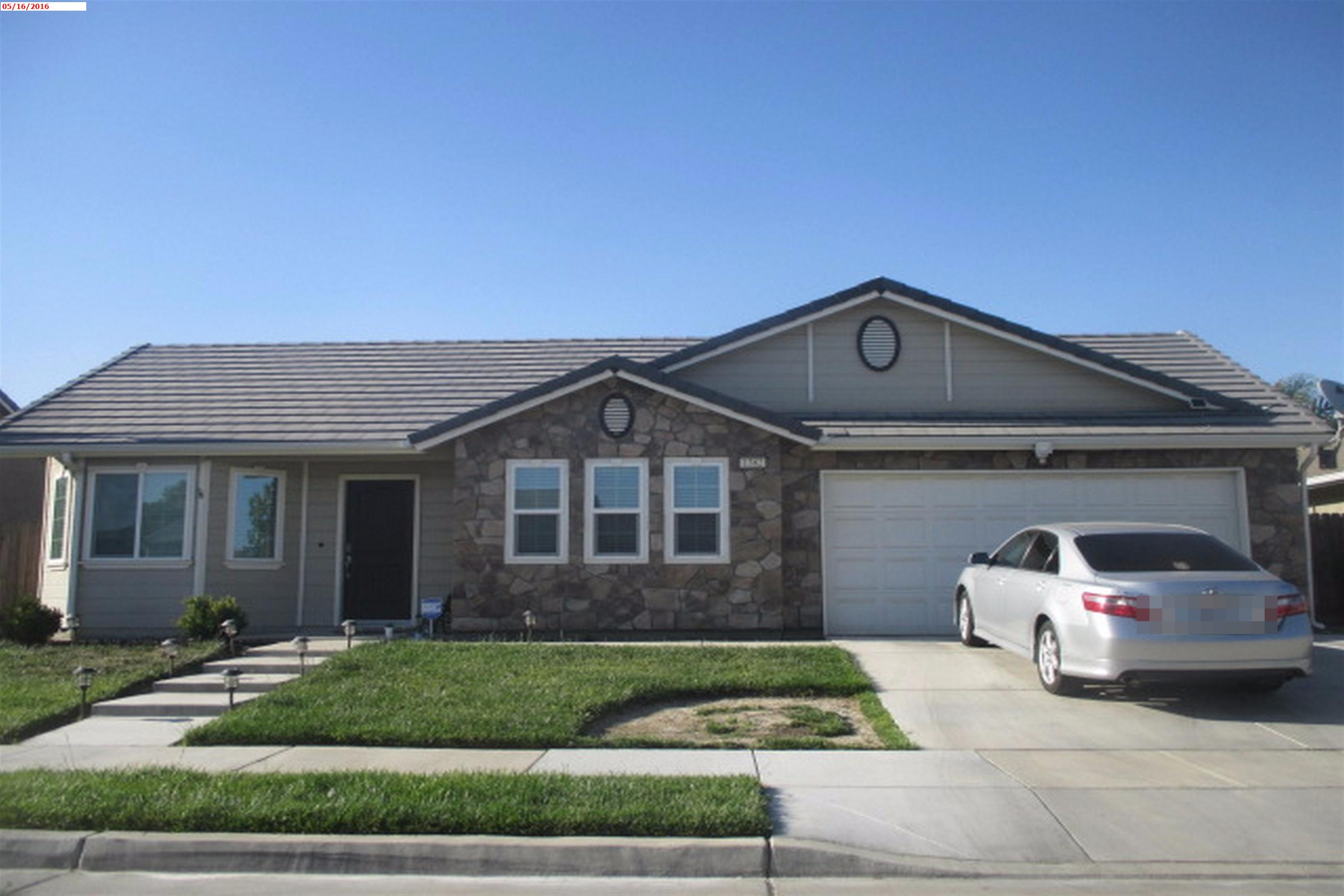 1382 National Dr, Lemoore, CA 93245