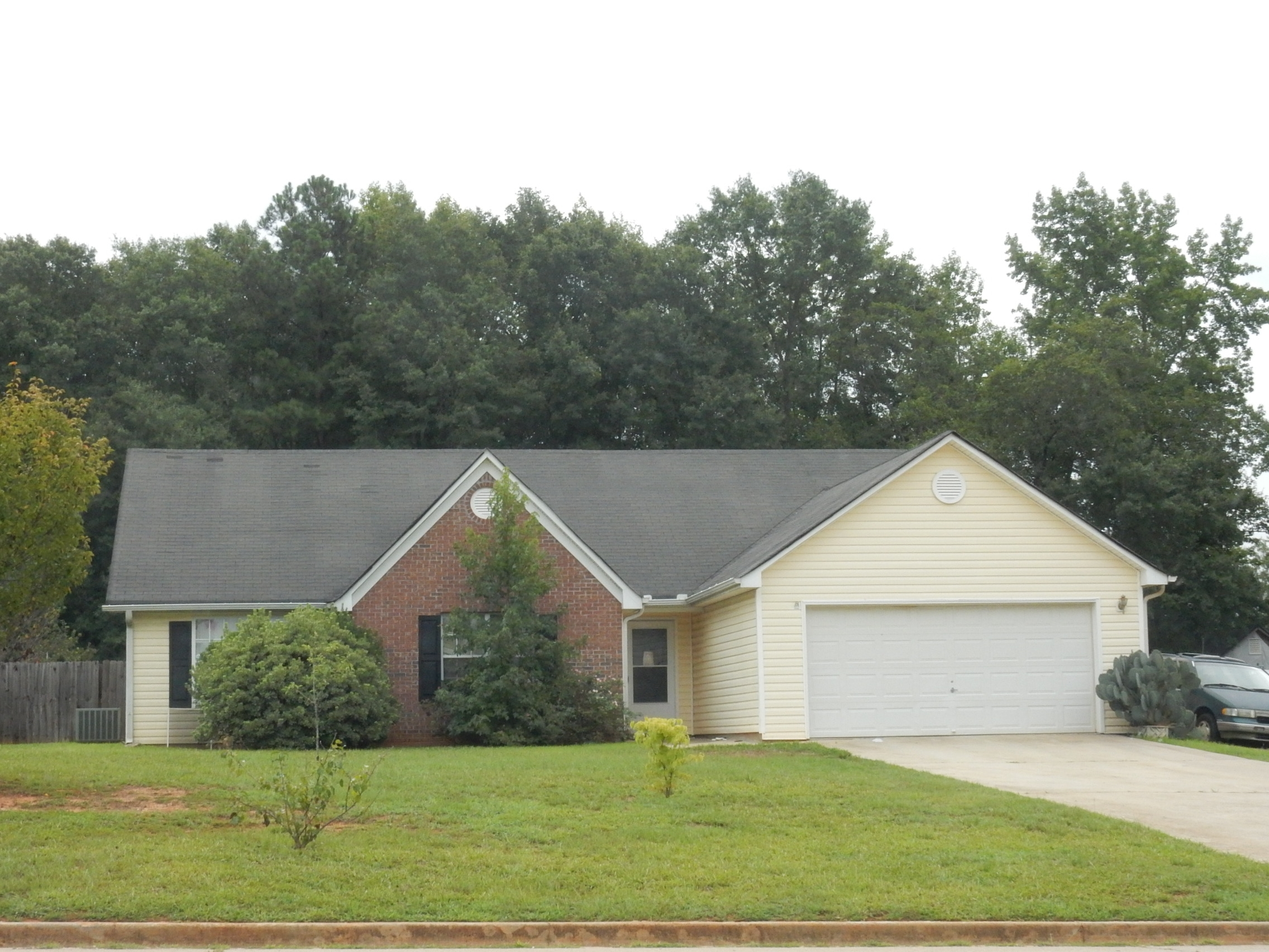 210 Country Meadows Cir, Jenkinsburg, GA 30234