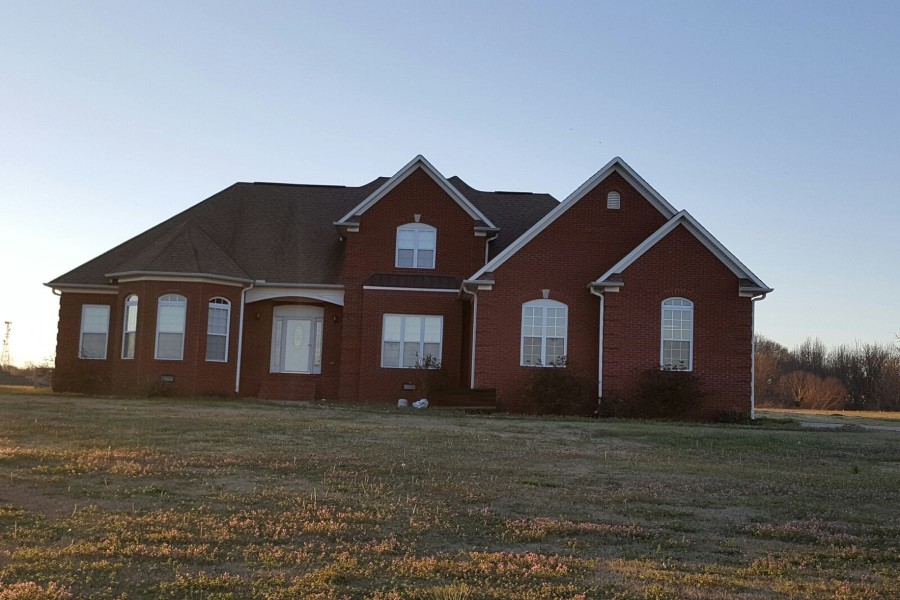 175 Country Lake Cir, Brownsville, TN 38012