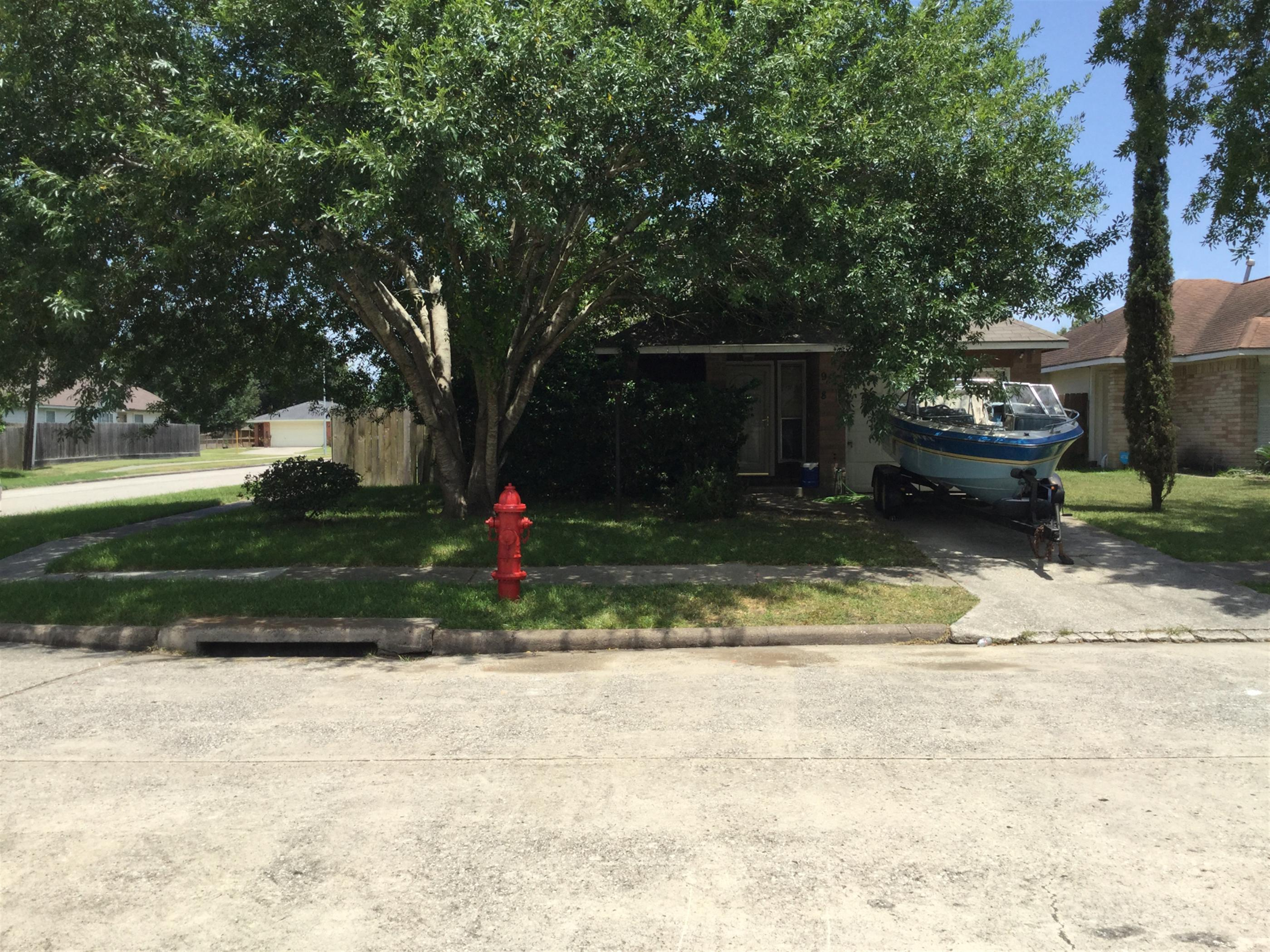 918 Somercotes Ln, Channelview, TX 77530