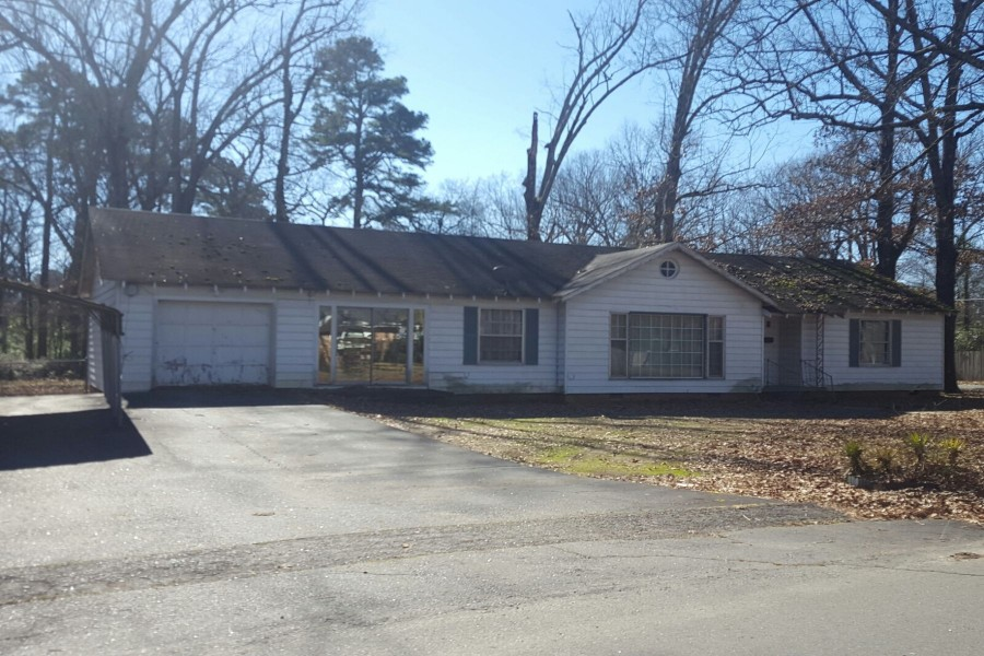 Pine Bluff foreclosures – 820 W 34th Ave, Pine Bluff, AR 71603
