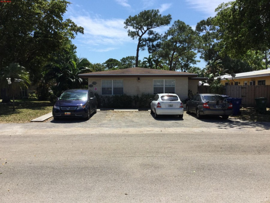 33303 foreclosures – 1612 Ne 25th St, Wilton Manors, FL 33305