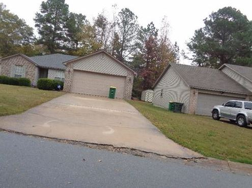 10010 Yellow Pine Ln, Little Rock, AR 72204