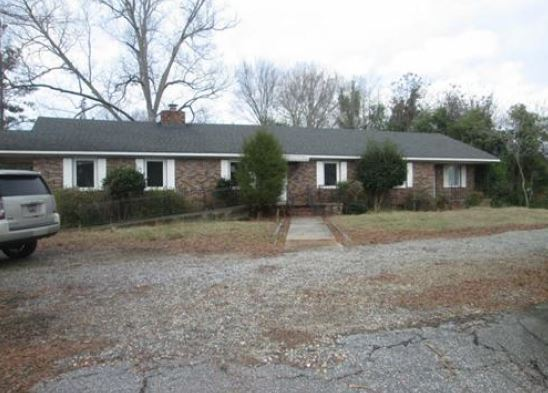 Ninety Six foreclosures – 208 W Main St, Ninety Six, SC 29666