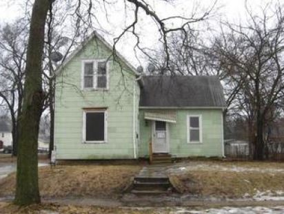816 Fowler St, Waterloo, IA 50703