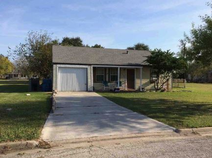 110 Lubbock, Point Comfort, TX 77978