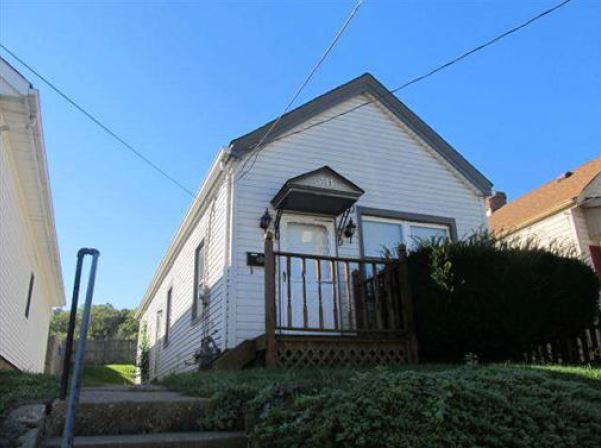 311 Shelby St, Bromley, KY 41016