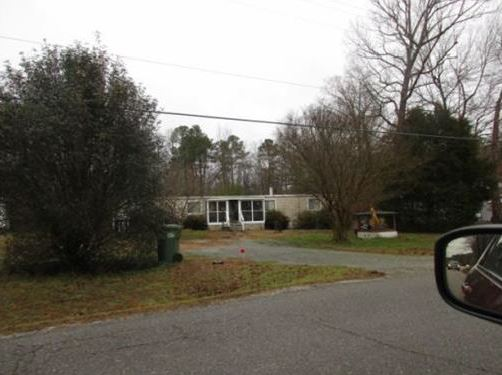 Gloucester County foreclosures – 7792 Ark Rd, Gloucester, VA 23061