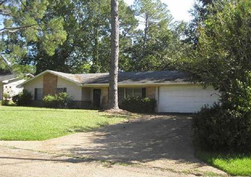 1223 Winterview Dr, Jackson, MS 39211