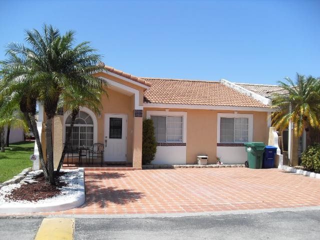 7663 NW 179th Ter, Hialeah, FL 33015