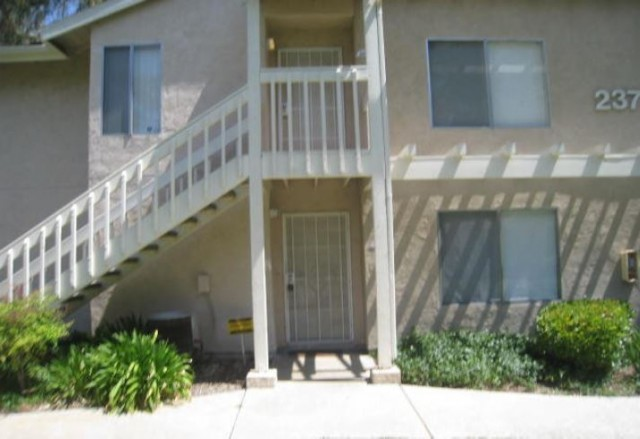 237 Diamond Way # 101, Vista, CA 92083