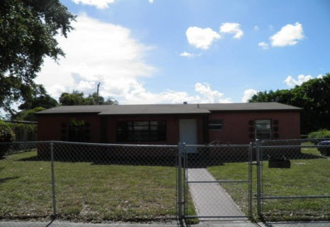 16100 NW 28th Pl, Opa-Locka, FL 33054