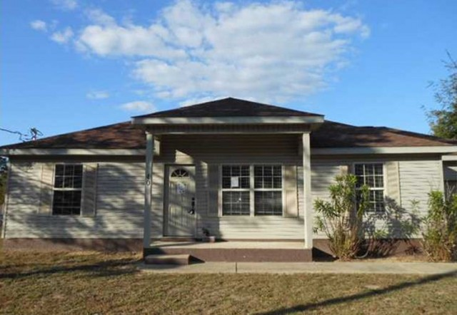 40 W Honeysuckle St, Defuniak Springs, FL 32433